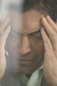 Typical migraine aura symptoms are blurry vision, dizziness and confusion.